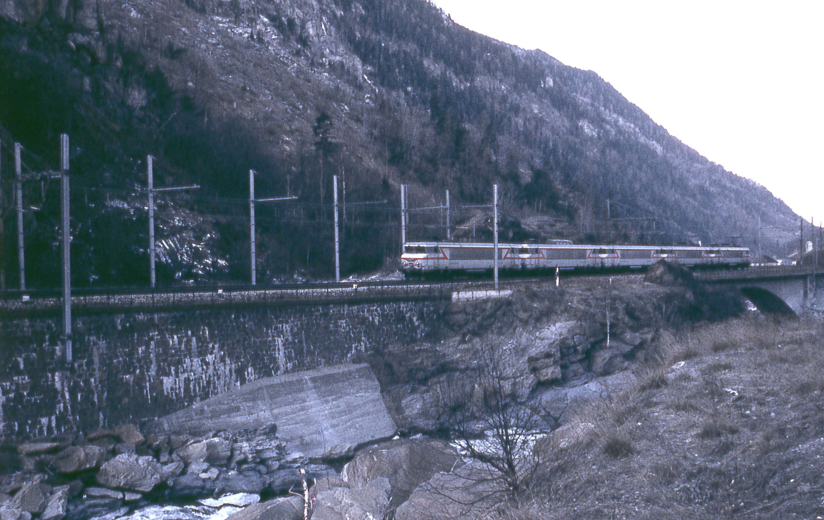 2train-machine-haute-valléeW.jpg