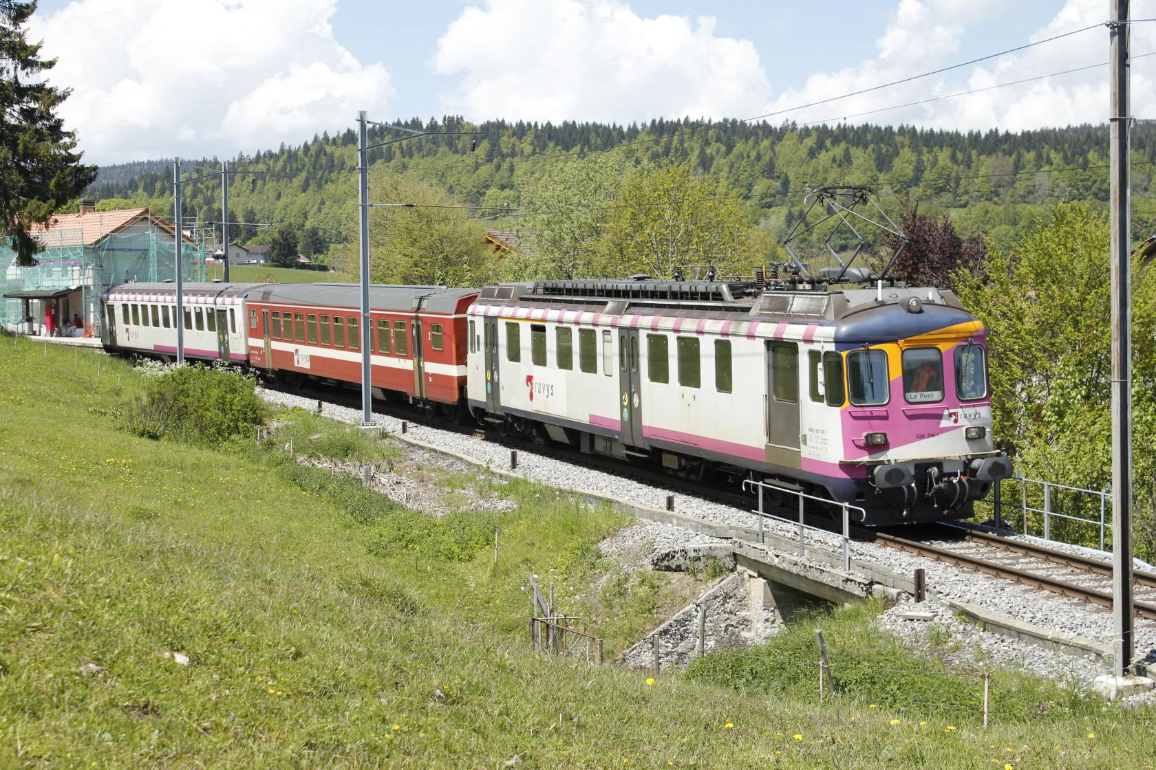_MG_9570_Travys_ABDe_538_316_1_Train_des_écoliers_Les_Charbonni+¿res_06-06-2013_NMS.JPG