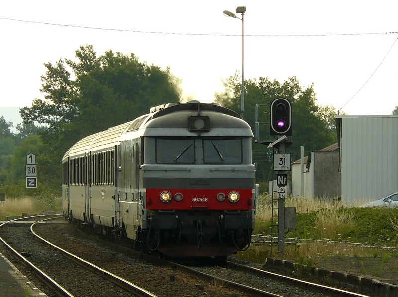 BB 67546 train n°893001 Cercy la Tour 11.07.09 01 - Copie.JPG