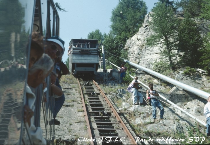 Emosson aout 1991 funiculaire R.jpg