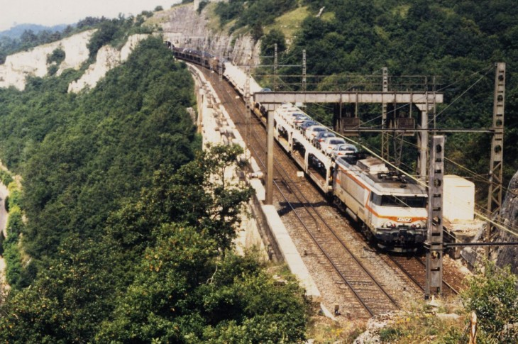 Velars00, 7200+train d'autos.jpg