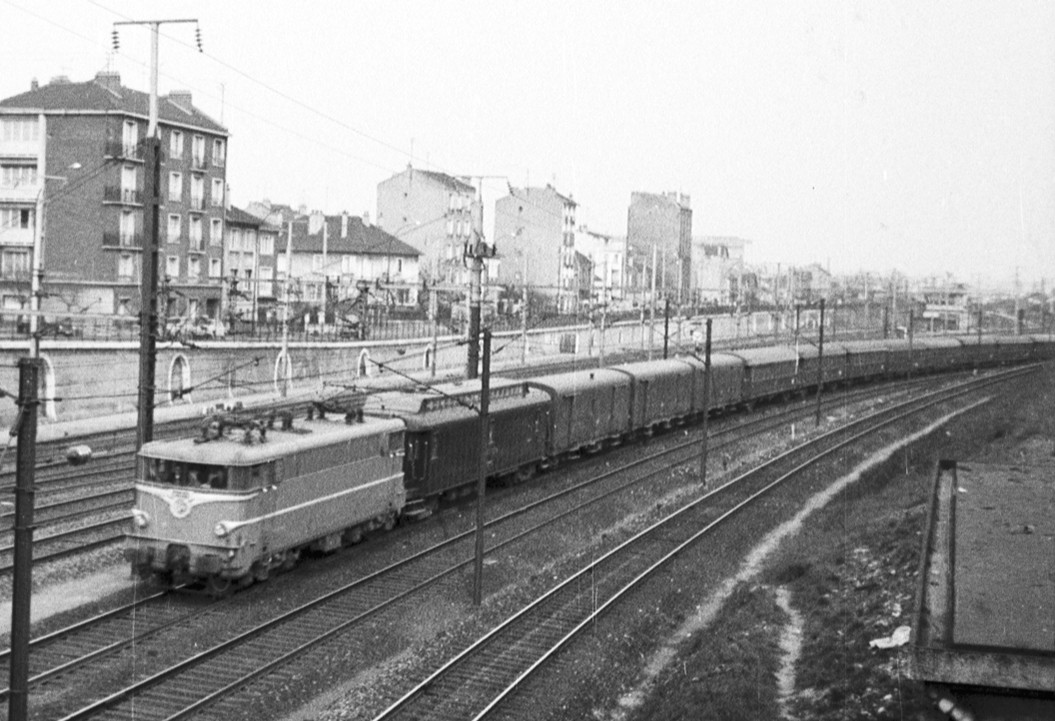 20 - Train 14 à Noisy.jpg