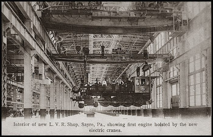 700-first-loco-sayre-shop-1904.jpg