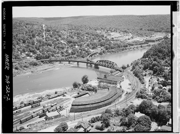 Allegheny River Bridge - Oil City - PA - 1971 - 1.jpg