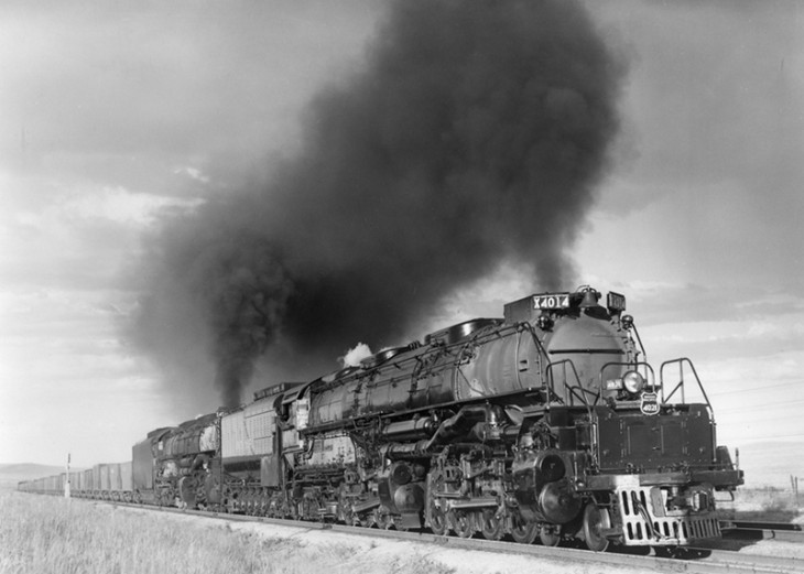 UP 4014 + 4021sherman_hill Cerven 1949 R.jpg
