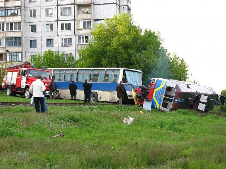 1024px-Rail_accident_in_Ukraine.jpg
